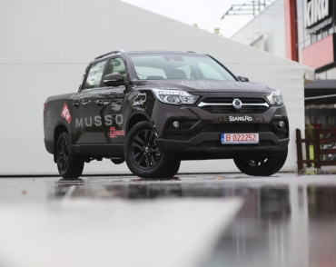 Ssang Yong MUSSO GRAND - Muncitor și confortabil