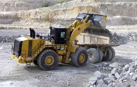 CAT® 990K Aggregate Handler